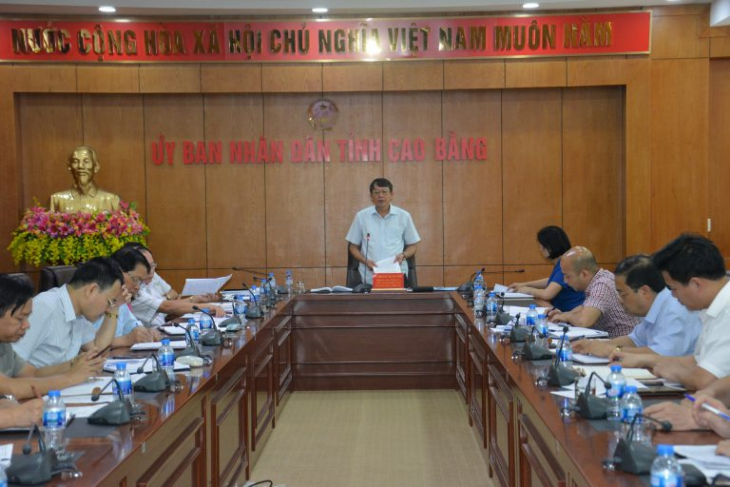 Chairman of People's committee of Cao Bang province Mr.Hoang Xuan Anh closed the meeting