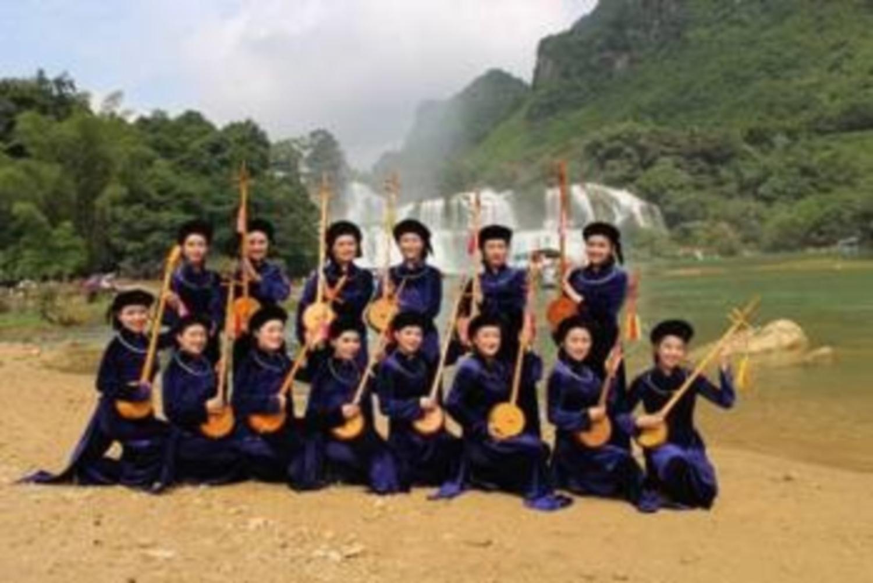Gắn bảo tồn, phát huy giá trị văn hóa với phát triển du lịch