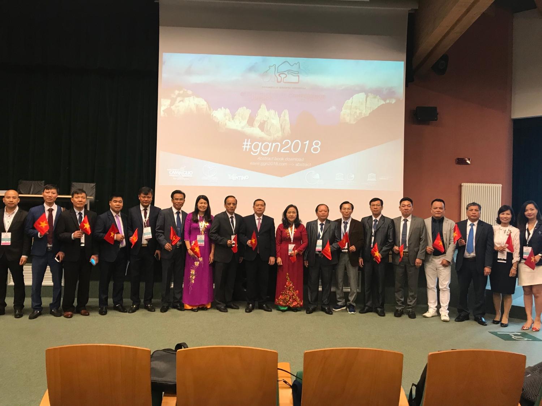 Đoàn công tác tỉnh Cao Bằng tại Hội nghị Mạng lưới CVĐC toàn cầu tổ chức tại Italia.