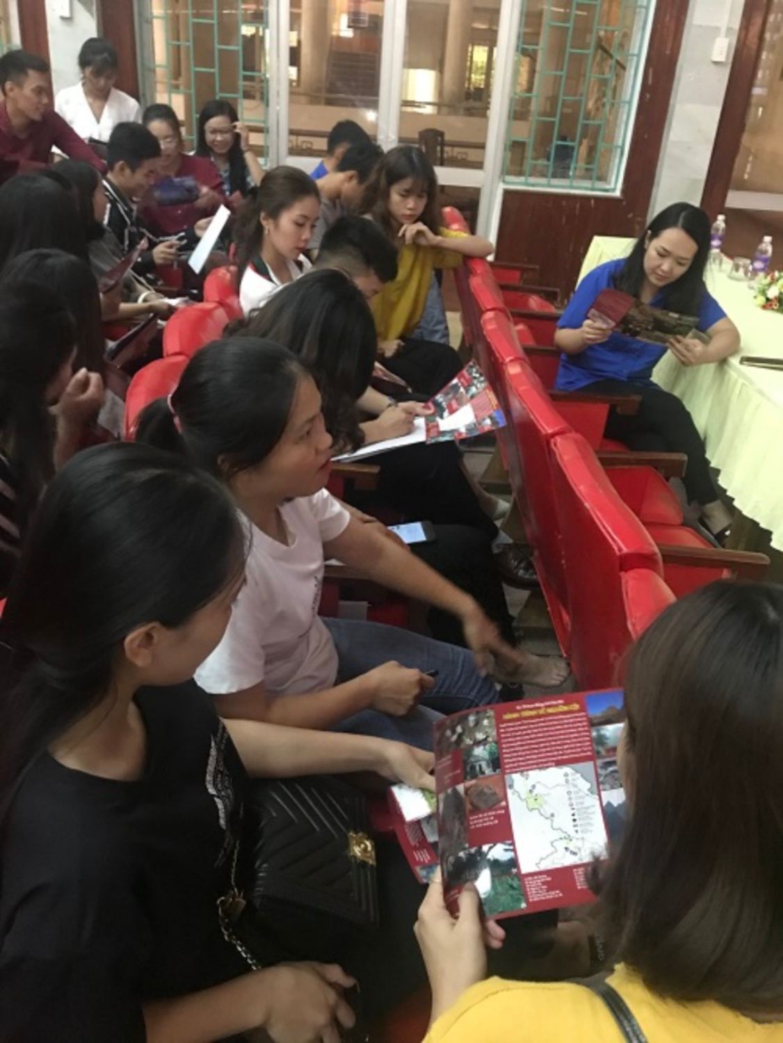 COMMUNICATION ON NON NUOC CAO BANG GEOPARK FOR YOUTH UNION