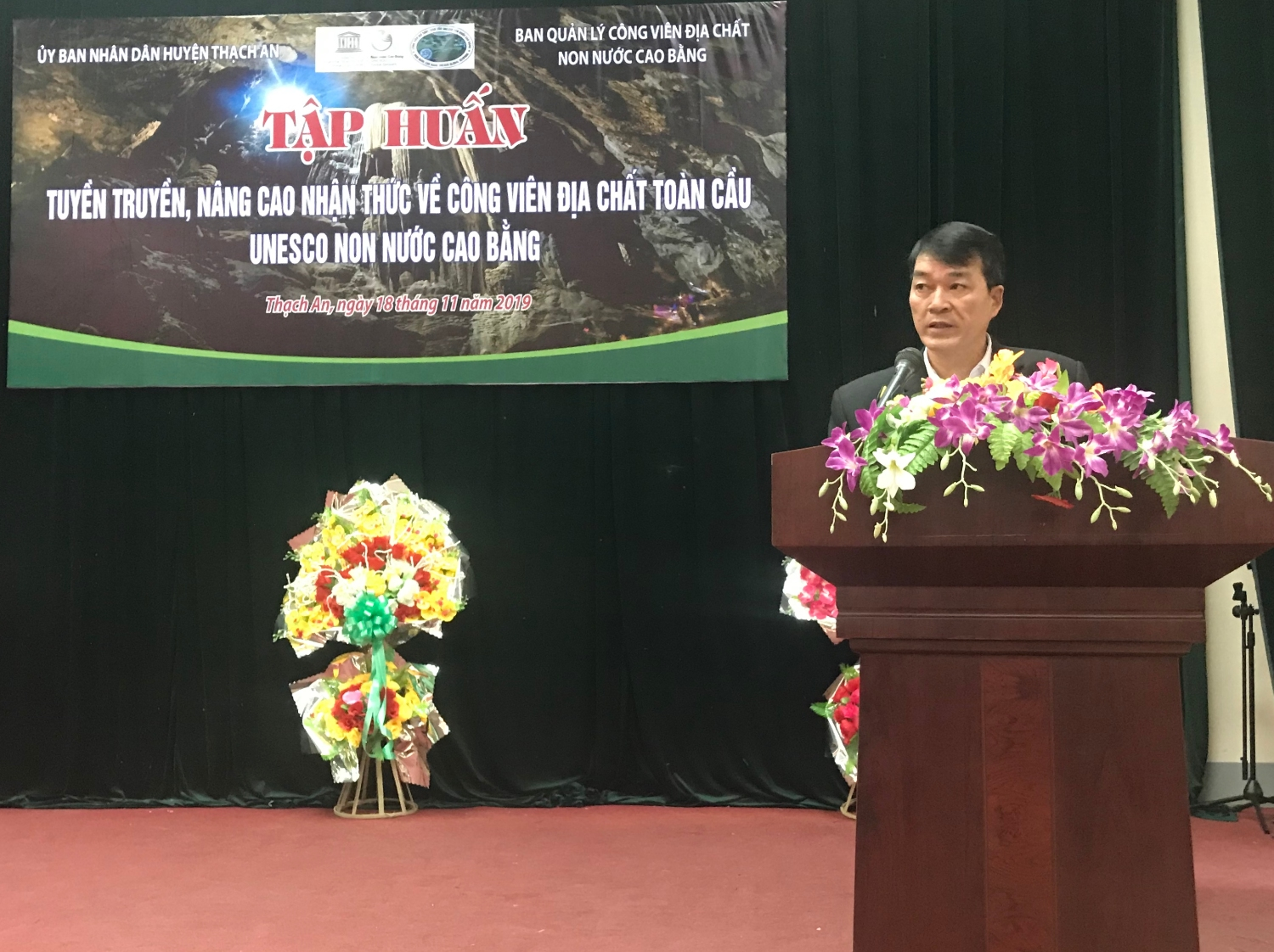 Mr. Ngo The Manh, Vice Chairman of Thạch An People's committee delivered an opening remarks.