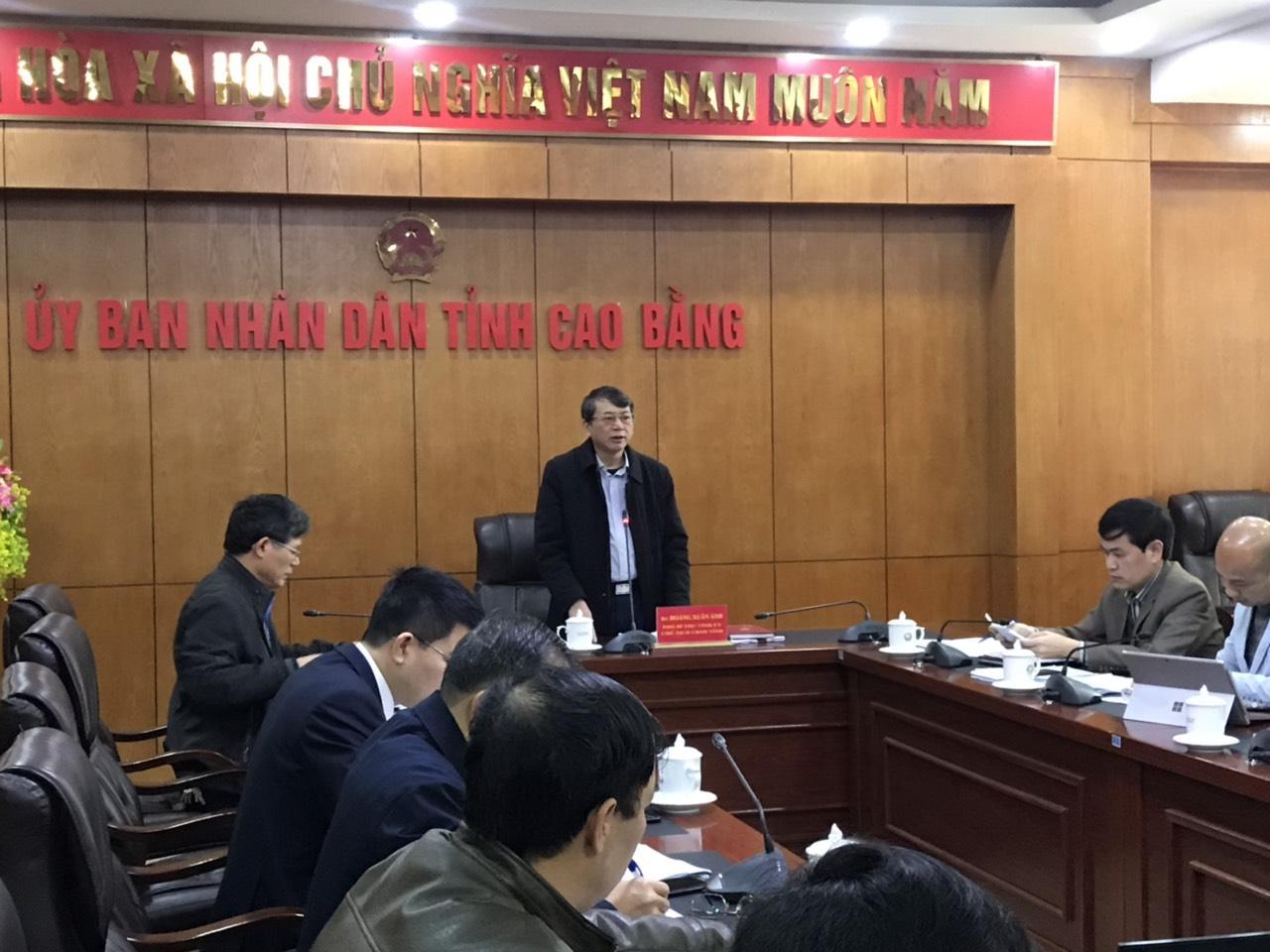 Đ/c Hoàng Xuân Ánh, Chủ tịch UBND tỉnh phát biểu kết luận cuộc họp