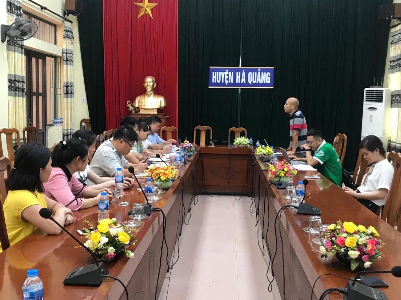 Ông Trương Thế Vinh, P.G.Đ Sở VHTTDL làm việc với UBND huyện Hà Quảng về công tác bàn giao.